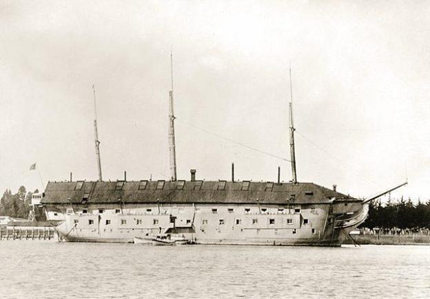 Independence_hulk_Mare_Island_1890s.jpg